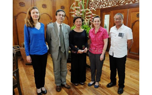 Counselor for Political Affairs Christine Carole, French Ambassador Thierry Mathou, Palo Mayor Remedios Petilla, Cécile Mathou and Chito Morante of the Guiuan Mayor's Office